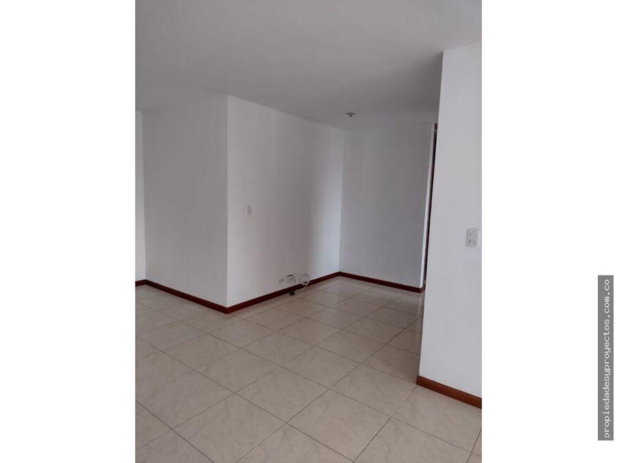 se arrienda apartamento en el poblado en la loma del encierro