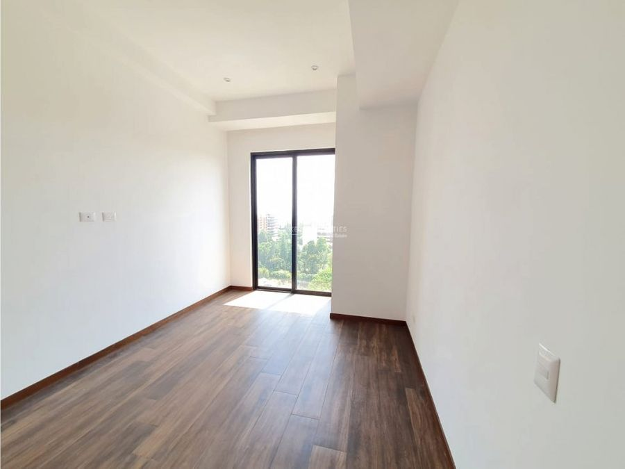 apartamento en alquiler en zona 10 casa clara