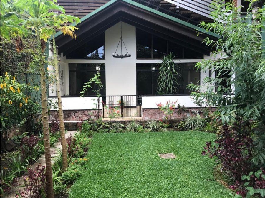 alquiler de amplia casa en vista hermosa 2 zona 15