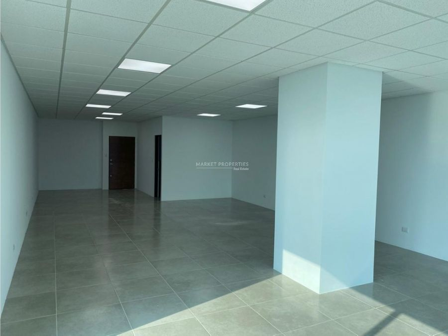 oficina en alquiler en zona 10 zona pradera
