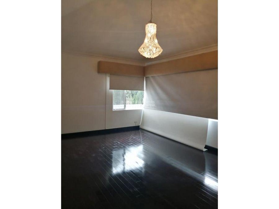 casa en venta en zona 16 portales de cayala