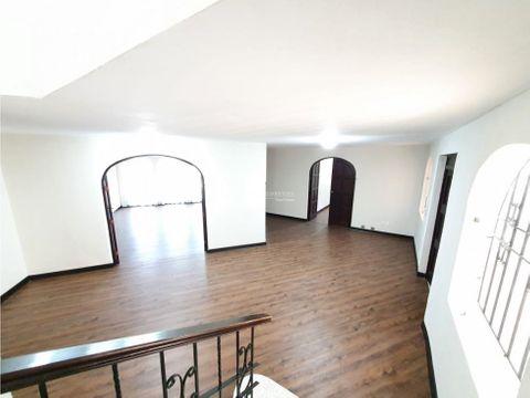 casa en venta zona 10 oakland remodelada