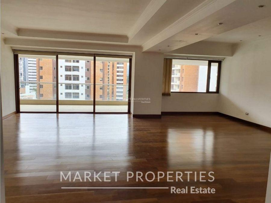 venta de hermoso apartamento en edificio gaudi zona 14