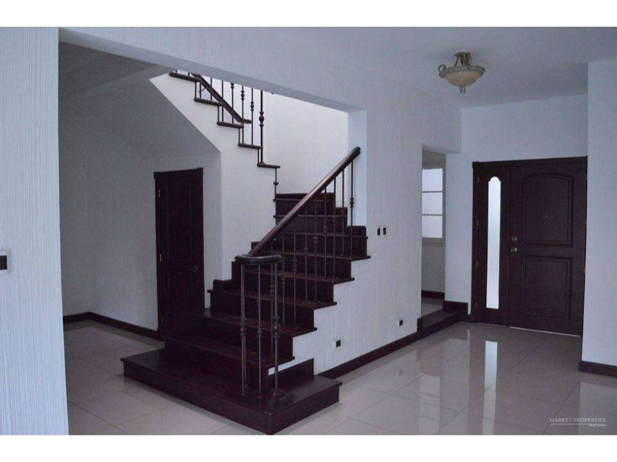 apartamento en alquiler en zona 16 bouganvilias de cayala