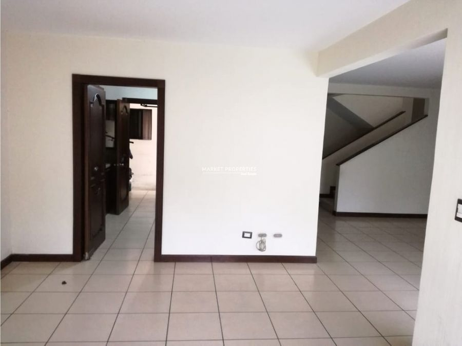 casa en renta en zona 16 alamedas de san isidro