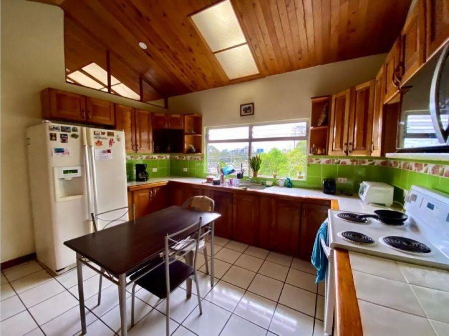 casa en venta en zona 15 vista hermosa 1