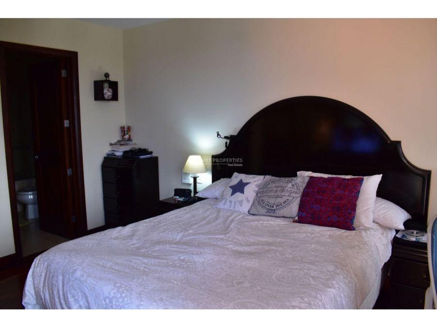 apartamento en renta en zona 10 edificio santa maria
