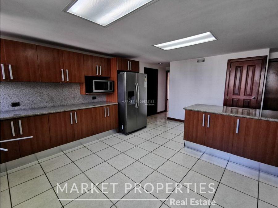 apartamento en renta en zona 14 marques del valle