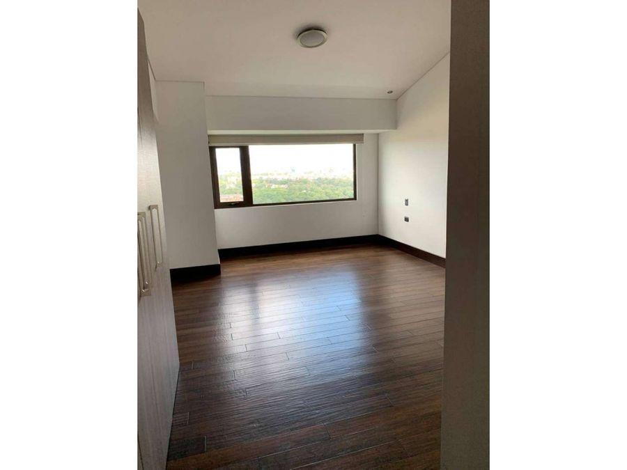 alquiler de apartamento con preciosas vistas en zona 16 cayala
