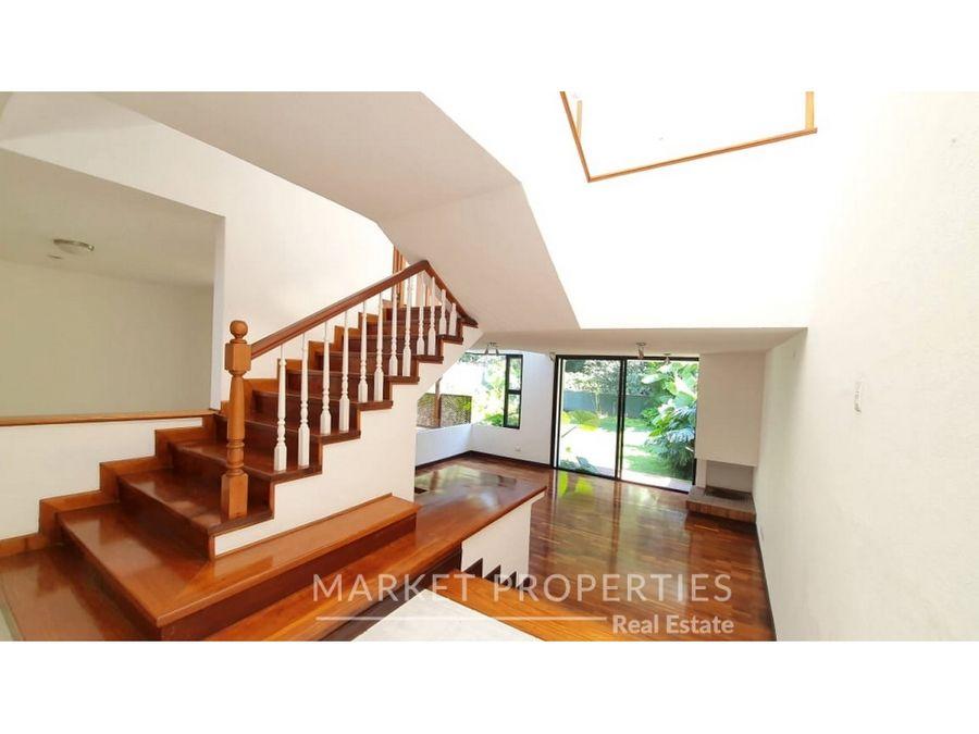 casa en venta en zona 10 condominio oakland
