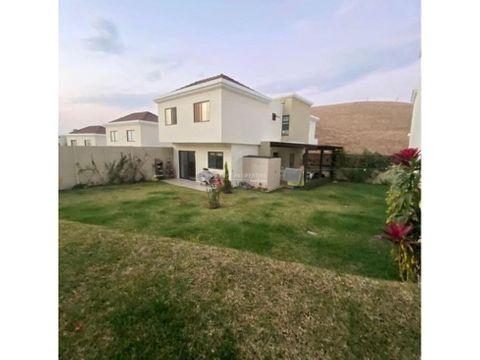 casa en venta en zona 16 vistas de san isidro