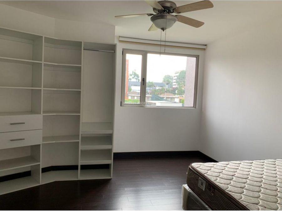 apartamento en renta en zona 14 edificio attica ii