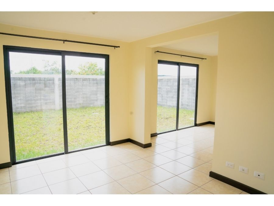 casa en venta en zona 16 portal de san isidro iii