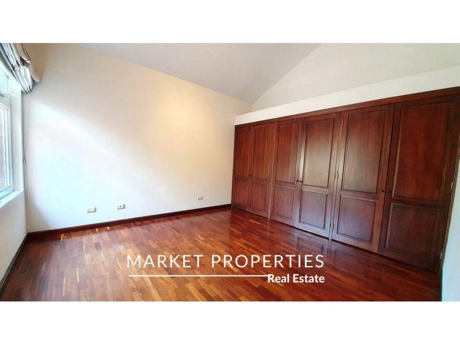 casa en venta en zona 16 encinos de cayala 1