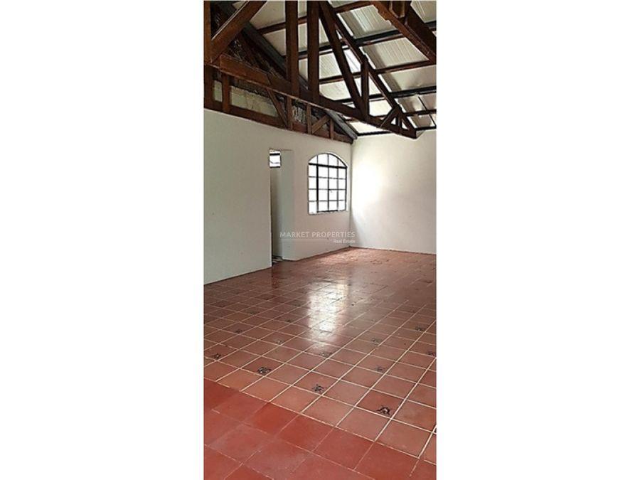 oficina en alquiler en 4 grados norte casa zapote