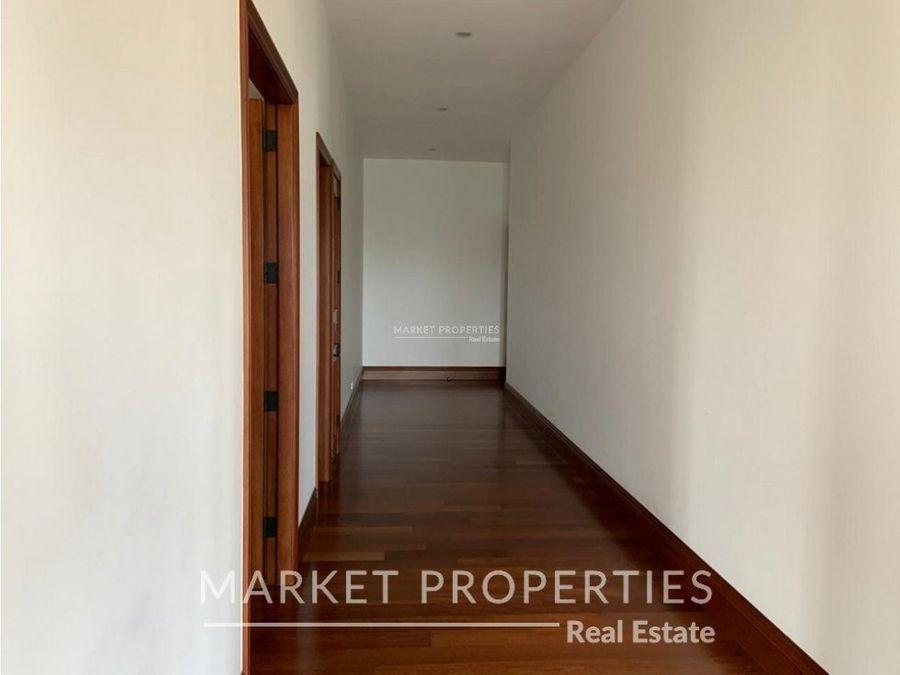 apartamento en venta en zona 10 via siete