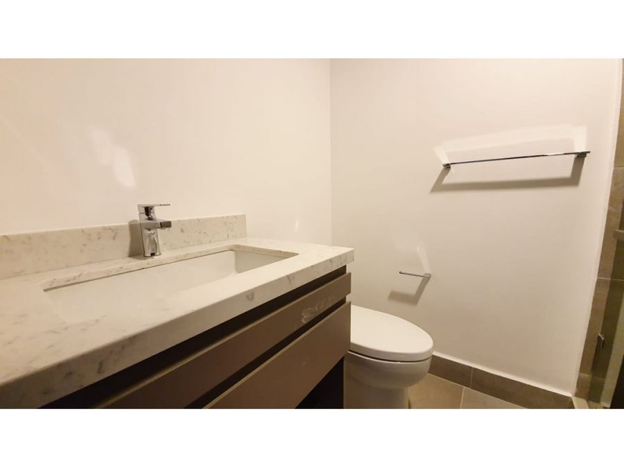 apartamento en renta en zona 14 azure katorce