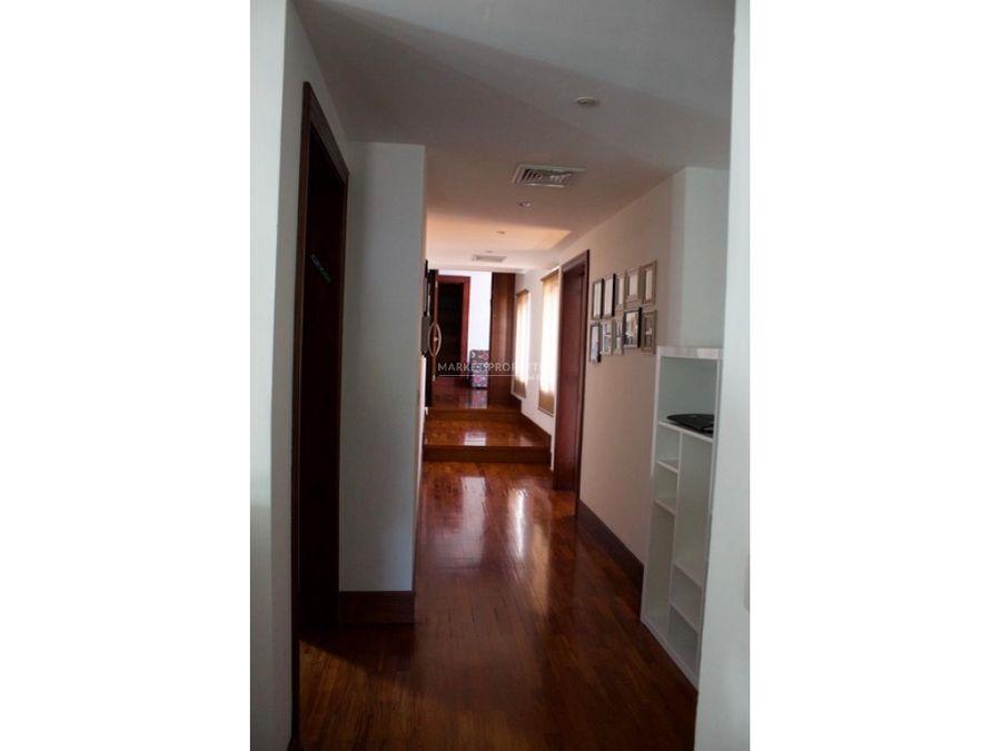 casa en venta en zona 16 encinos de cayala
