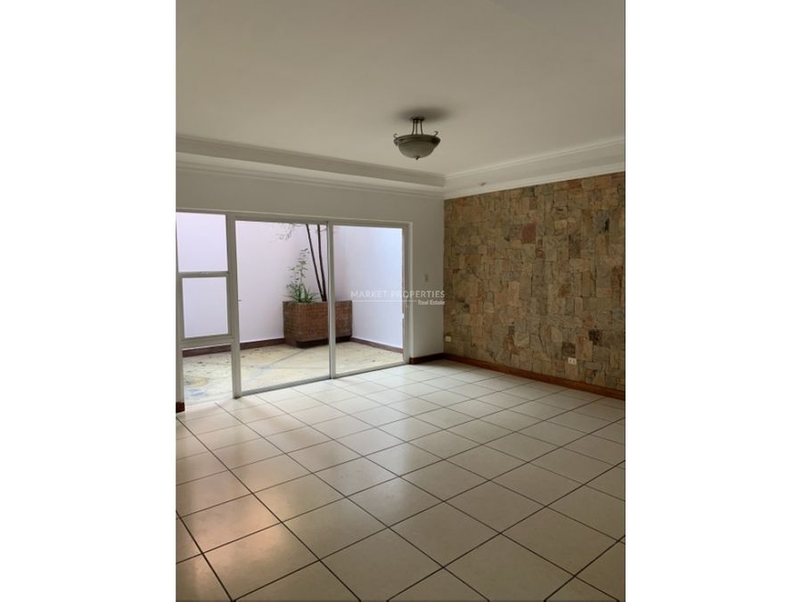 casa en venta en zona 14