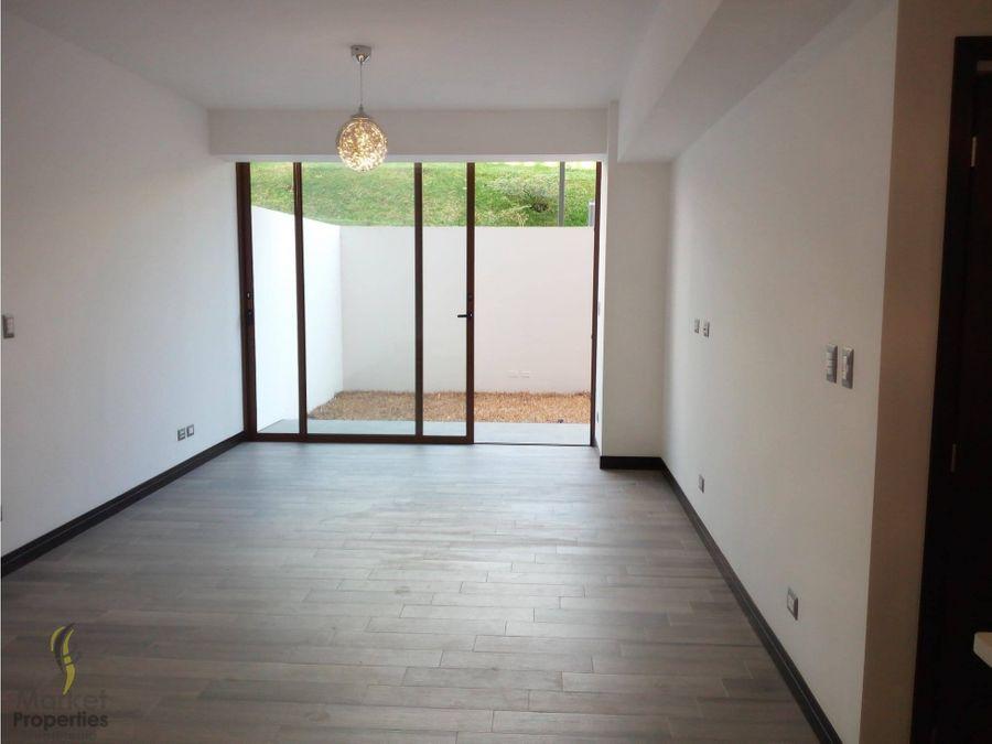 remato apartamento san isidro 2021 con jardin