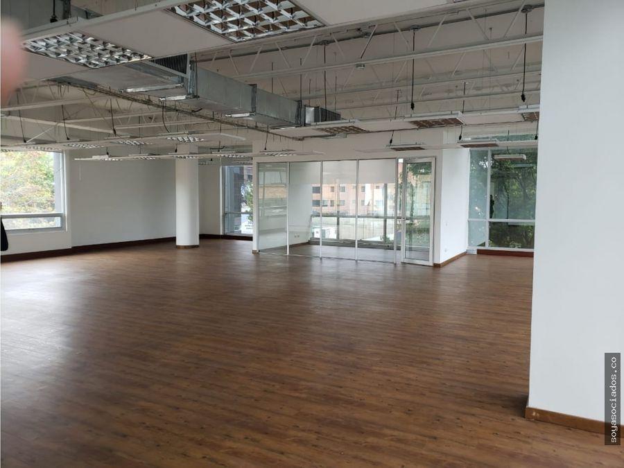 vendo arriendo oficinas 333 m por piso oportunidad
