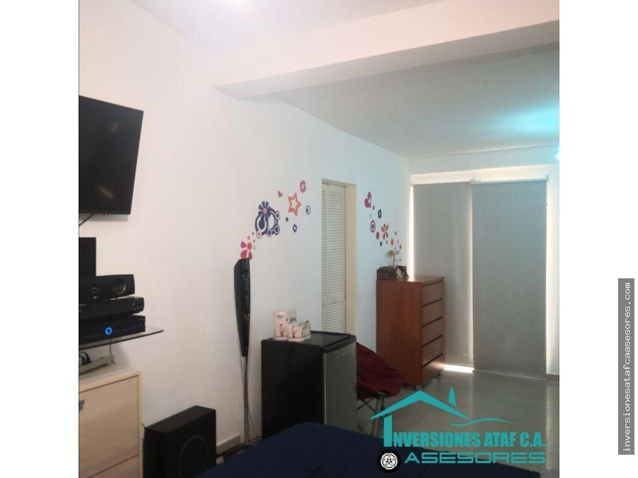 se vende casa 159m2 4h3b2pe los chaguaramos valle arriba guatire