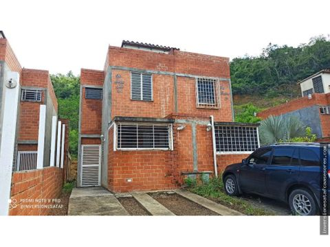 se vende casa 74m2 2h 2b 1pe altos de copacabana guarenas