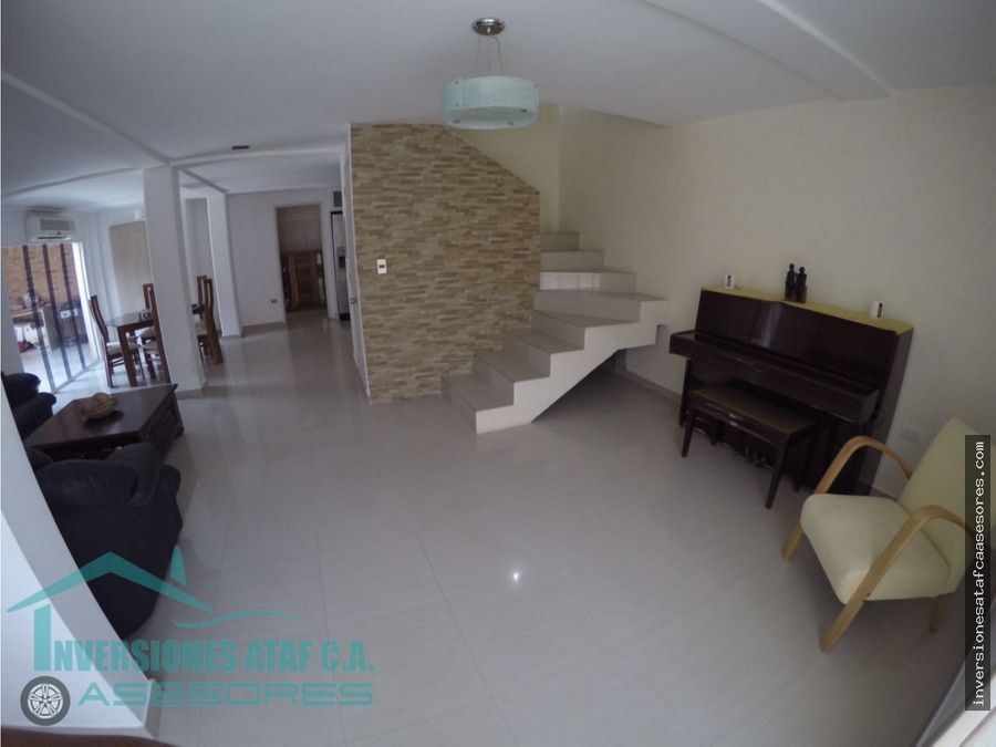 se vende casa 129mt2 3hab3b2petrz montana linda castillejo