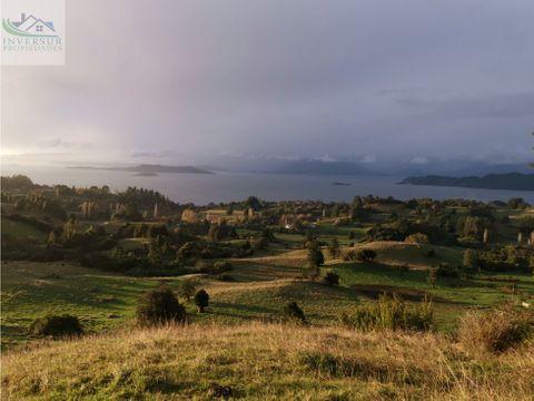se vende hermoso campo con vista al lago ranco