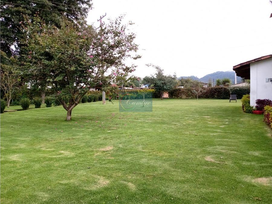 casa cerro gordo con amplio jardin