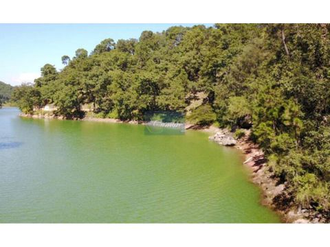 terreno avandaro con vista y acceso al lago para desarrollar