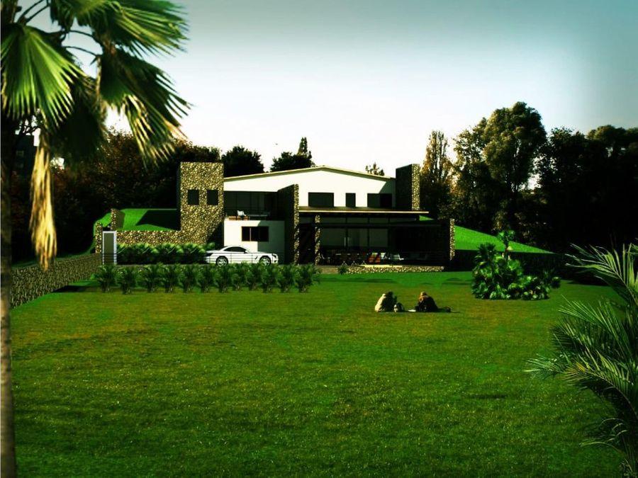 casa con amplio jardin en cerro gordo