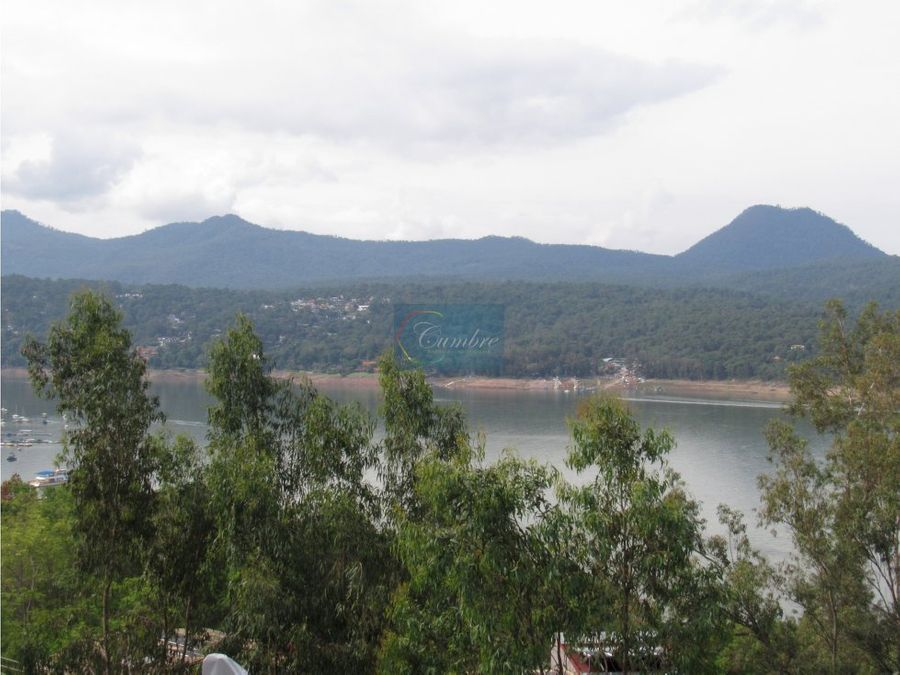 casa en el centro con vista al lago