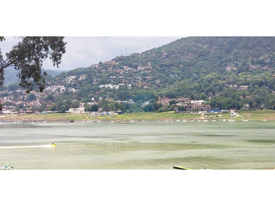terreno con acceso al lago comunal