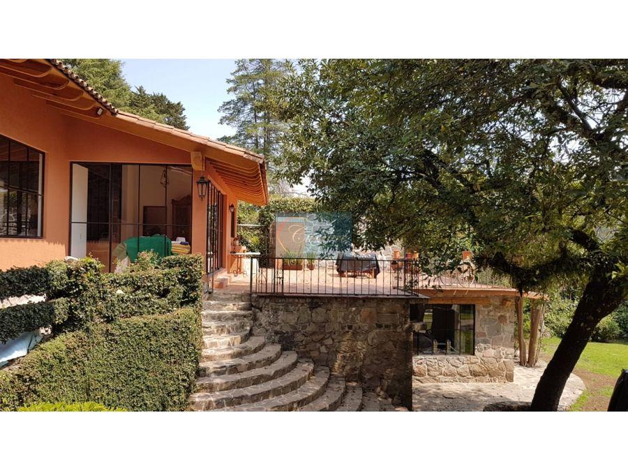linda casa con jardin en avandaro
