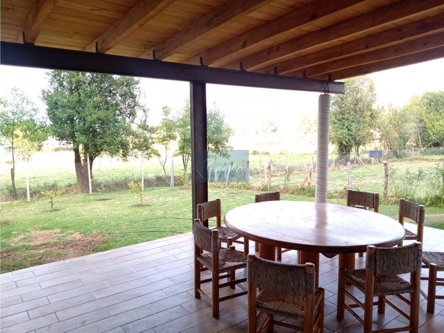 linda casa de campo