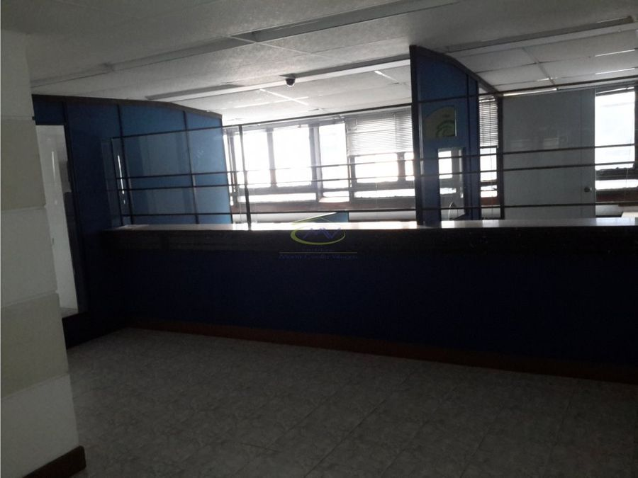 oficina para alquilerventa manizales centro