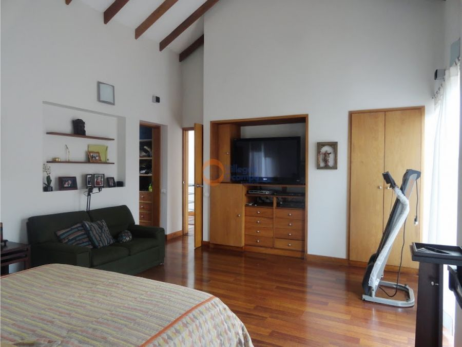 casa en venta sector valles de la alhambra