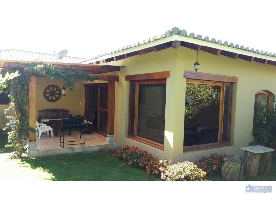 casa de 2 dormitorios en pakakuna gardens checa
