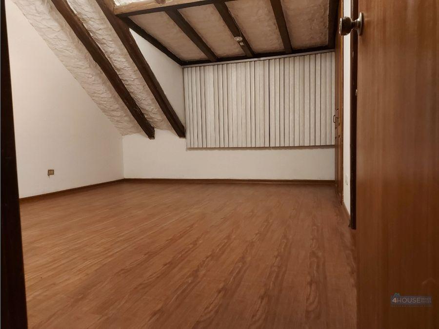 casa en conjunto privado de 3 dormitorios en av 6 de diciembre