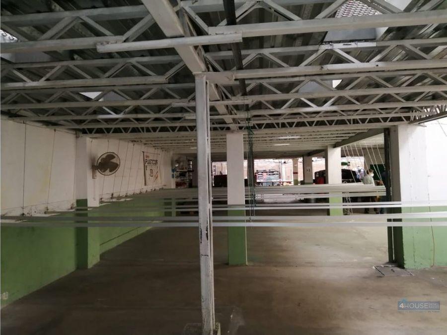 galpon industrial con oficinas en sector cotocollao
