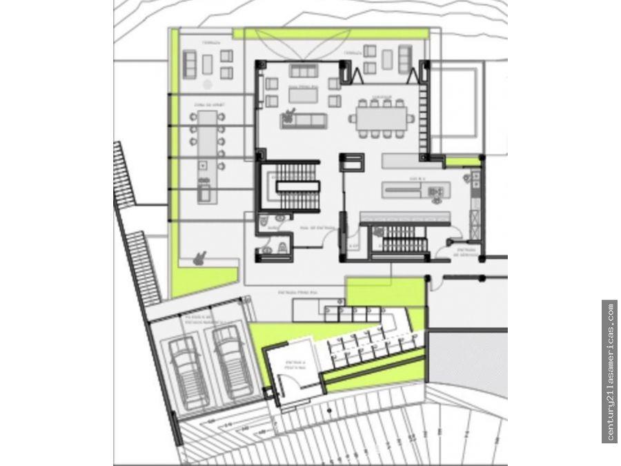 terreno con casa obra gris