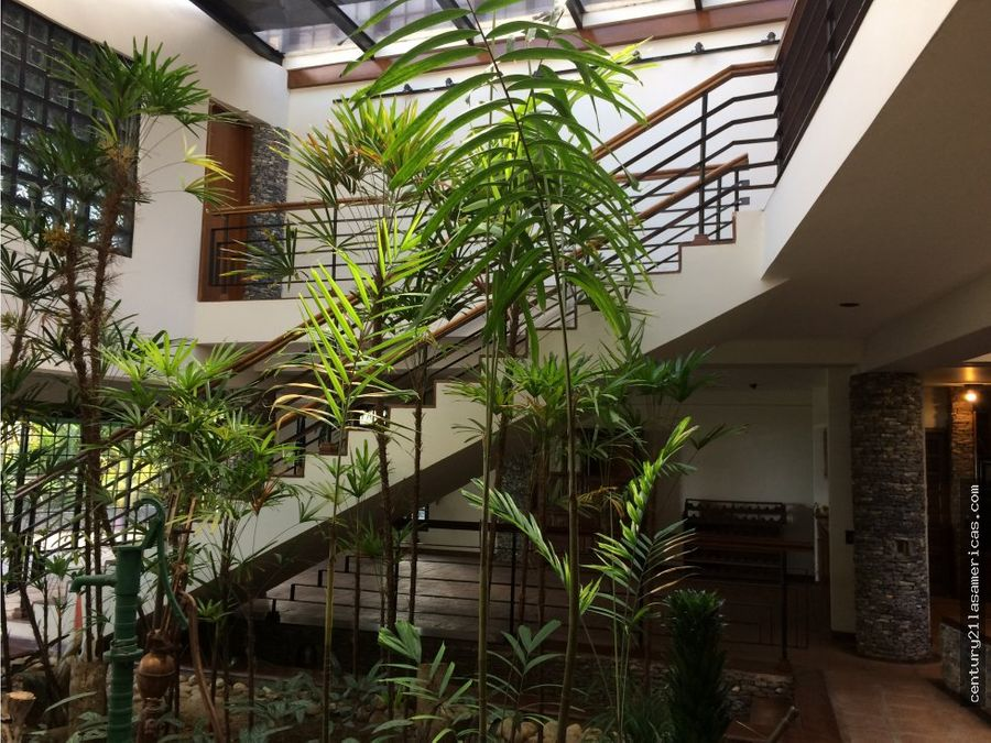 ideal casa rodeada de verde en oripoto
