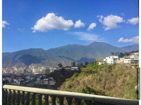 colinas de santa monica casa con bella vista al avila calle privada