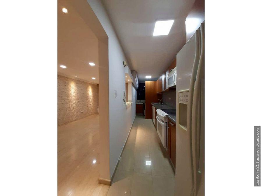 hermoso y acogedor apartamento en venta en la urb colinas
