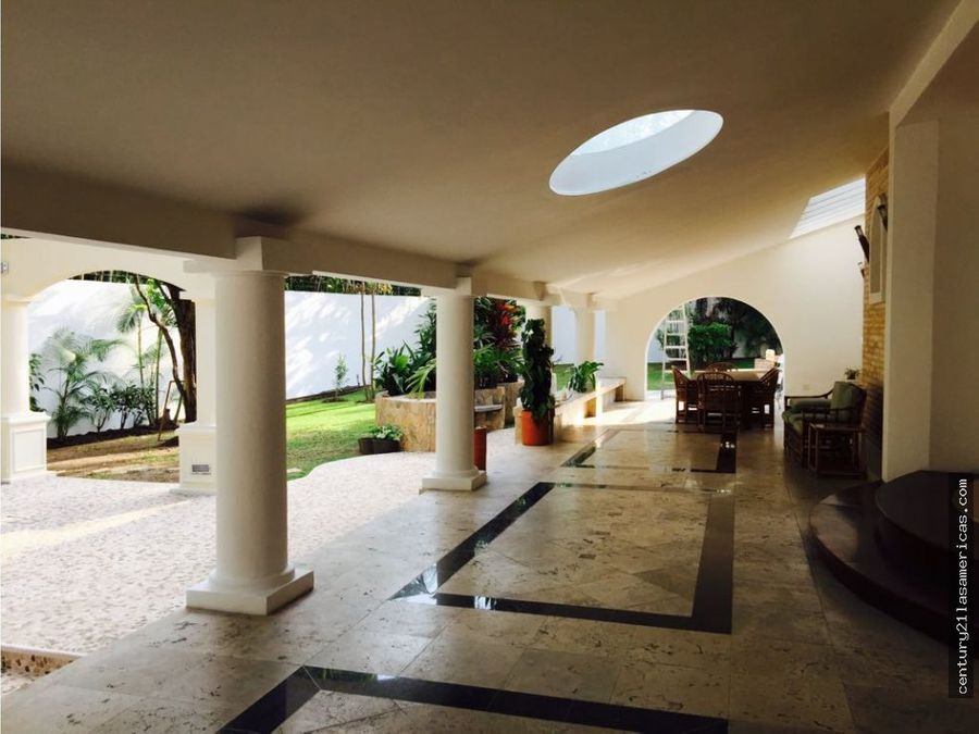 extraordinaria quinta en el country club caracas
