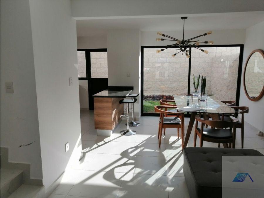 casa en venta con roof garden en zakia el marques queretaro grj