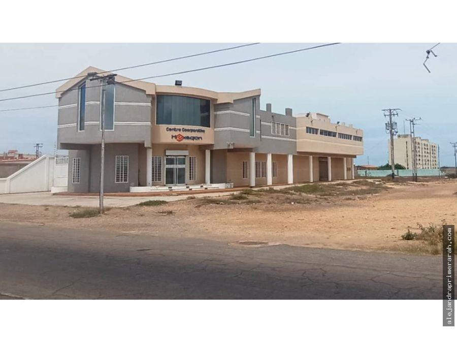 edificio comercial en venta en santa irene punto fijo
