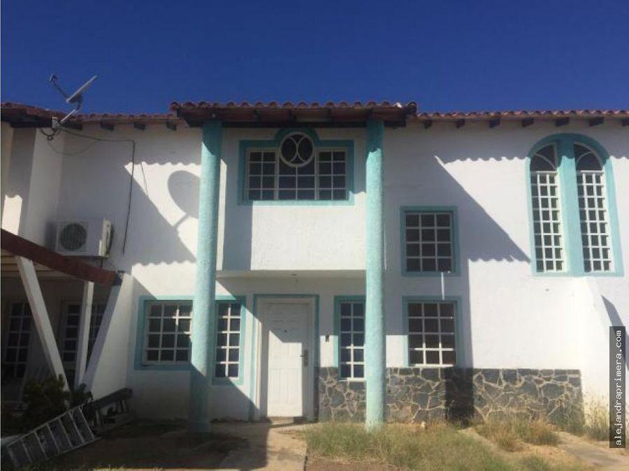 townhouse en venta en puerta maraven punto fijo