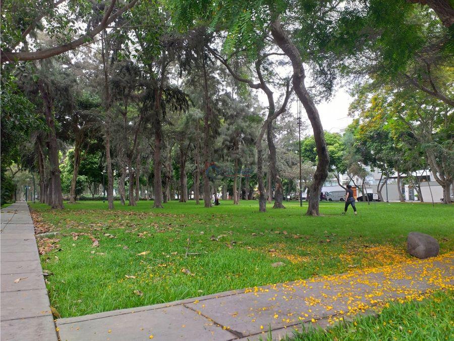 proyecto frente a parque privado urb chacarilla san borja